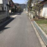 西側に長野市道(幅員4.0m)